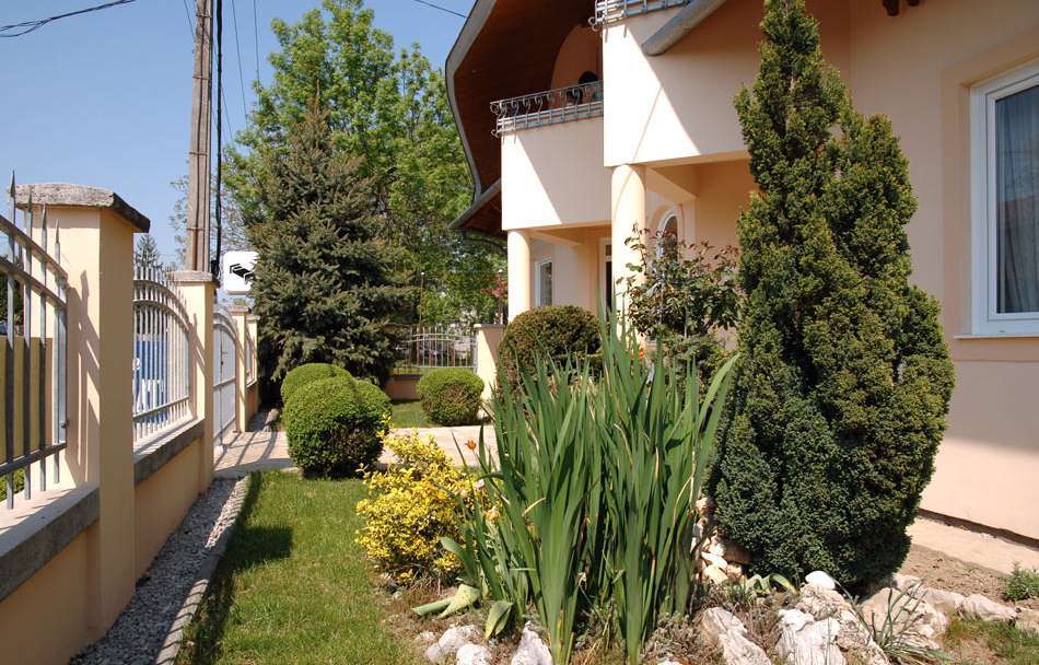 Apartments, Hostel, Hotel in Hungary at Lake Balaton